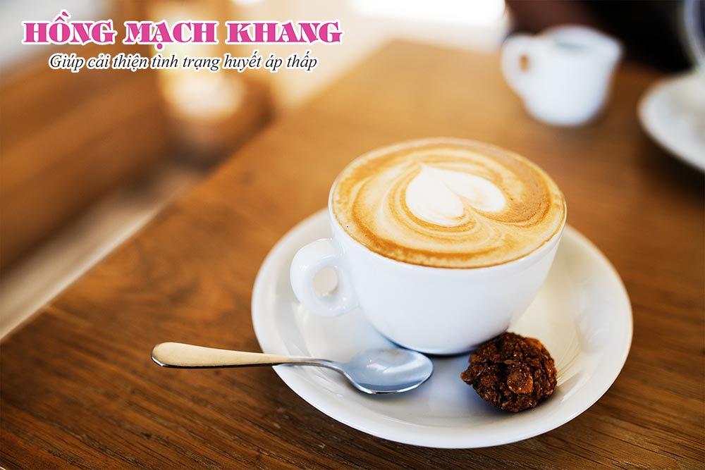 Cà phê giúp làm tăng huyết áp khi bị tụt huyết áp
